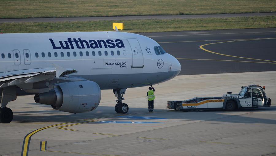 Lufthansa отменила почти 4 тысячи рейсов из-за забастовки пилотов
