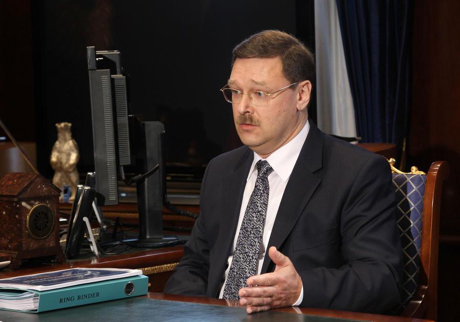 Константин Косачёв: Джо Байден объяснил Украине, что по пути в «светлое будущее» кормить не будут