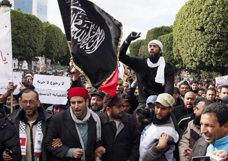 Исламисты Туниса объявили «войну» профсоюзам