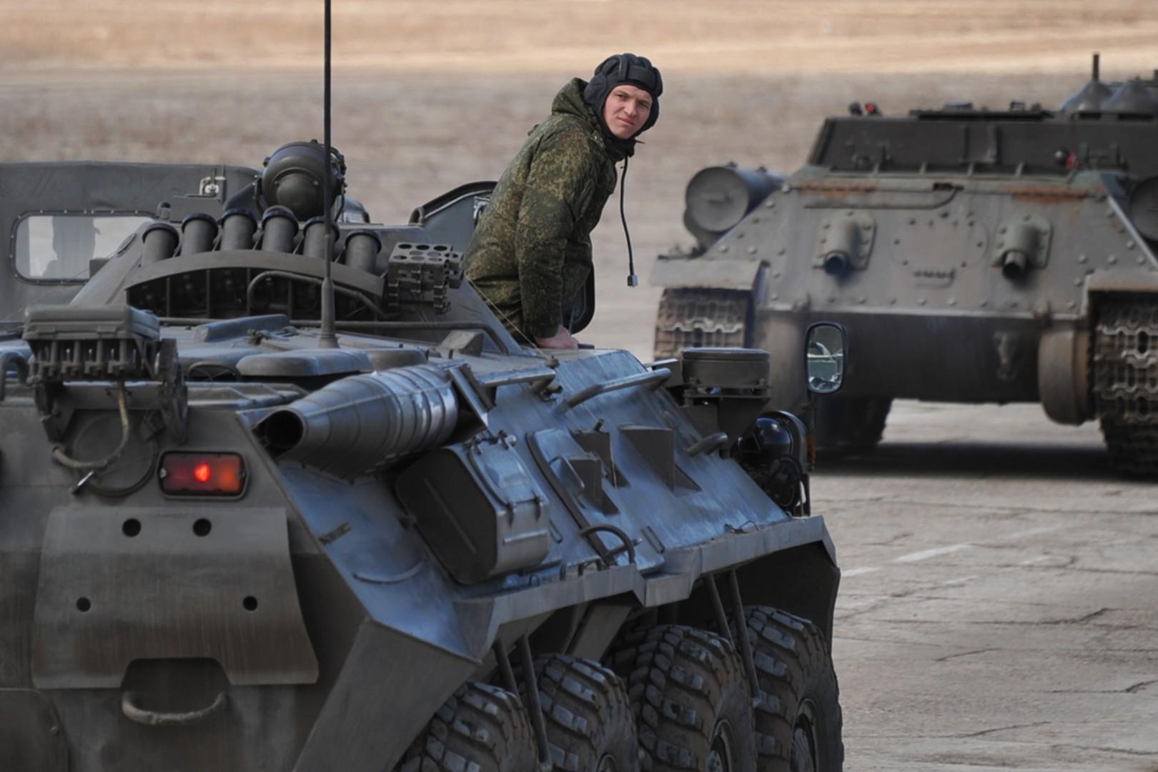 Репетиция военного парада Победы на аэродроме Каштак в Забайкальском крае