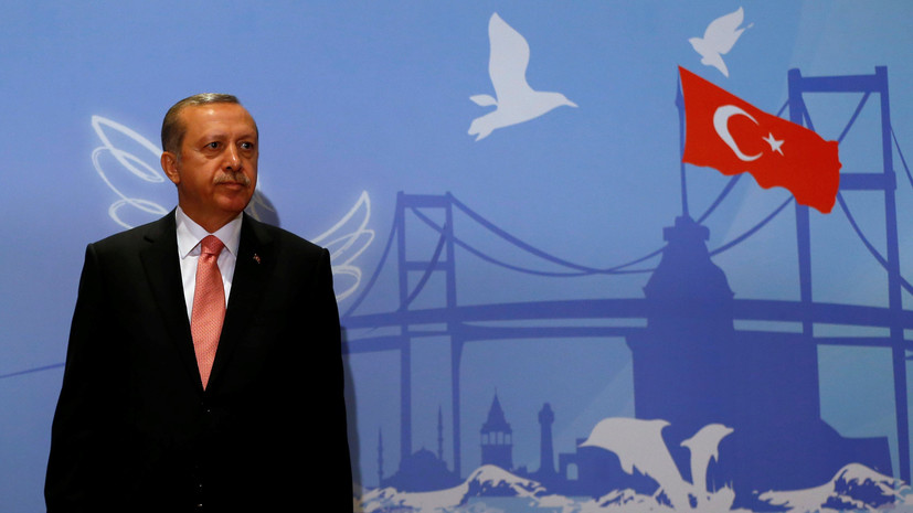 Теперь официально: суд Гамбурга допустил слова сатирика о «трусливом дураке Эрдогане»