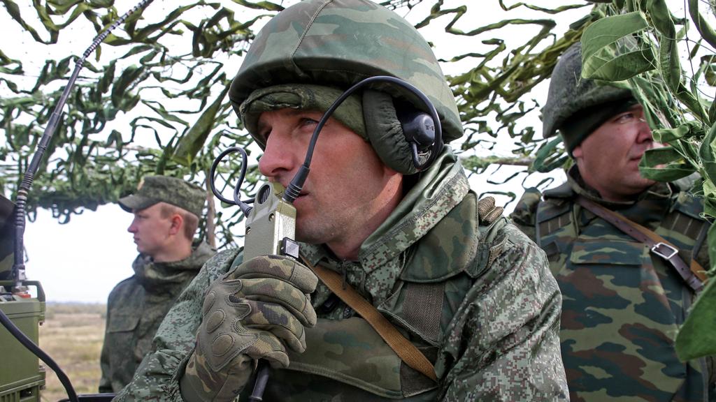 Карманная артиллерия: накануне Дня Победы на вооружение РФ приняли новый ПТРК «Метис-М1»