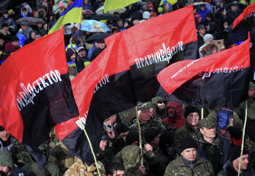 Libération: За порядком на Украине следят неонацисты и «авторитеты»