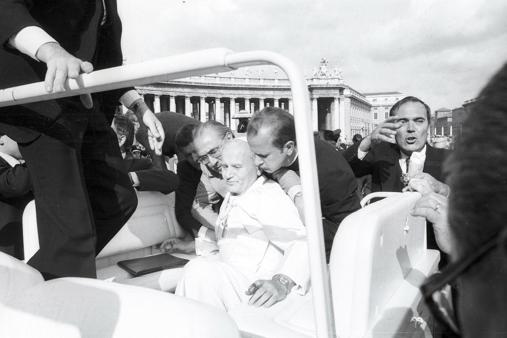 35 лет главной тайне Ватикана: кто хотел убить Иоанна Павла II?