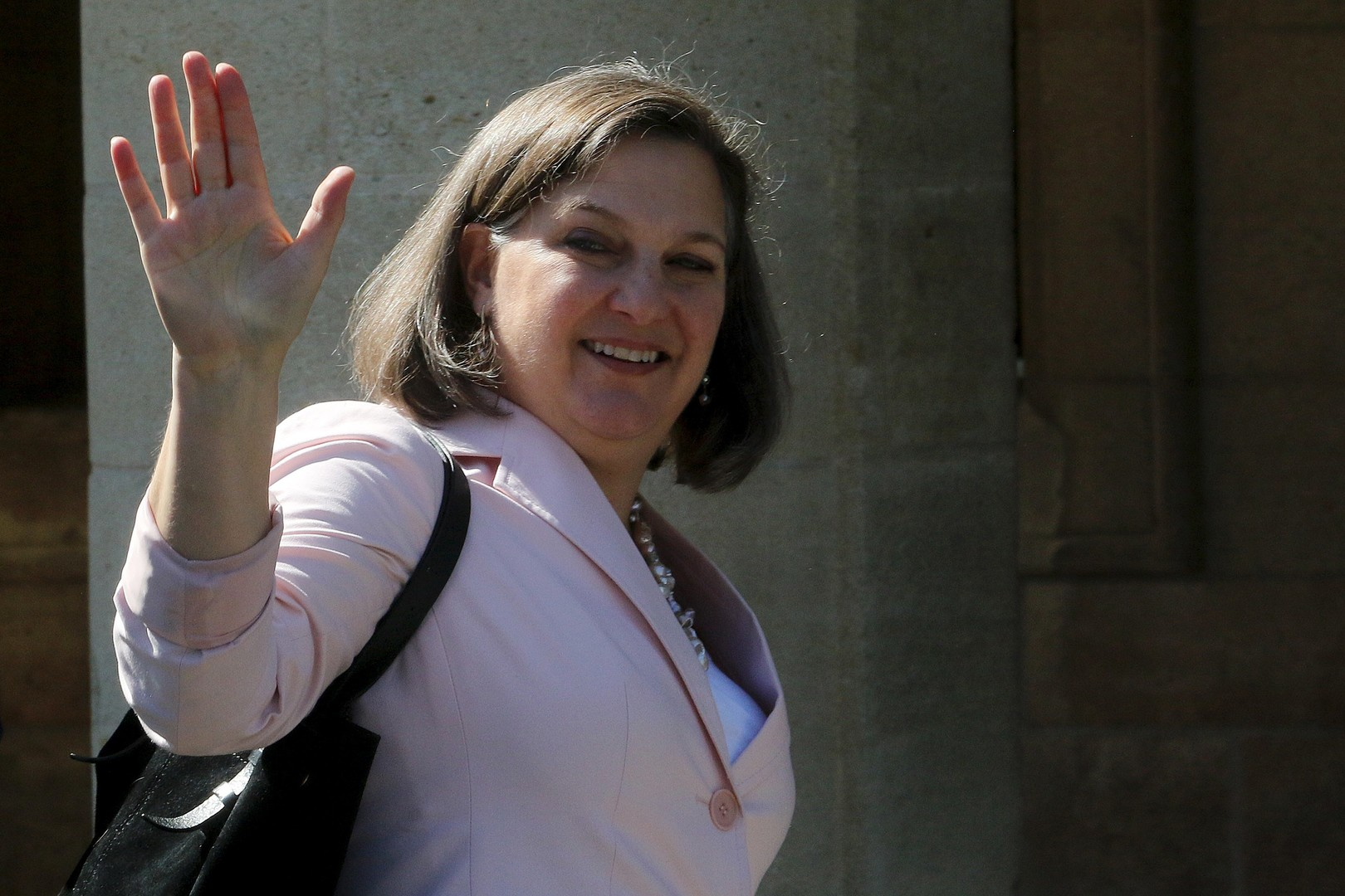 Заодно и пообедала: Виктория Нуланд совершила блиц-визит в Москву
