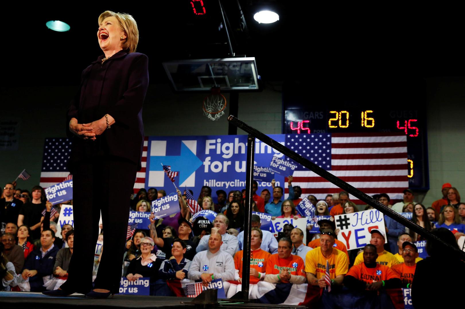 Третьему не дано: Сандерс не сдаётся, но Клинтон готовится к битве с Трампом