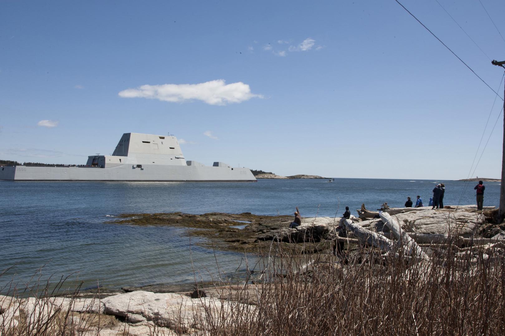 Недешёвый, невидимый и ненужный: ВМС США получили первый Zumwalt