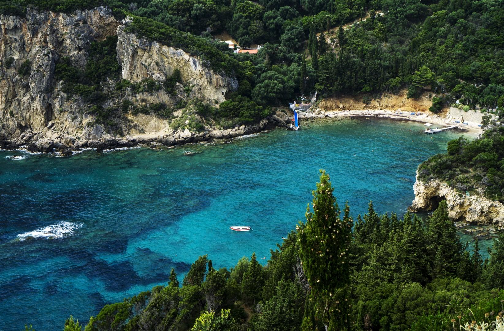 Море. Греция омывается прекрасными Эгейским, Фракийским, Ионическим и Средиземным морями.