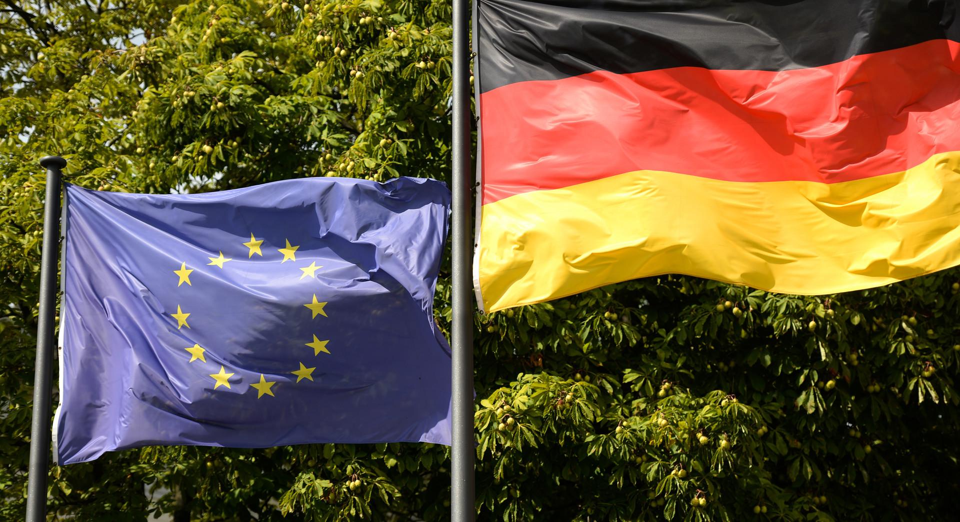 Der Spiegel: Германия намерена смягчить санкции против России, пытаясь спасти единство ЕС