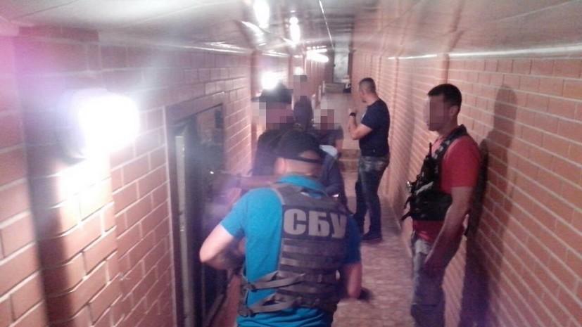 Под домом Героя Украины обнаружили тоннели с сокровищами