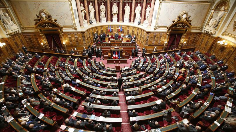 Сенат Франции высказался за постепенное смягчение санкций против РФ