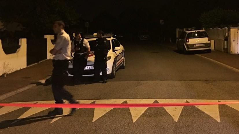 Захвативший заложников под Парижем ликвидирован