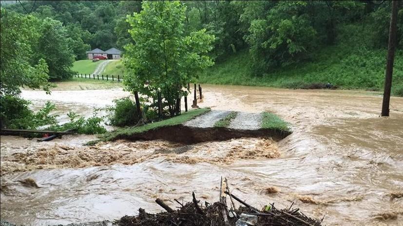 Наводнение в Западной Вирджинии: режим ЧП и 14 погибших