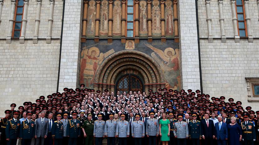 Выпускники московских военных училищ получили дипломы