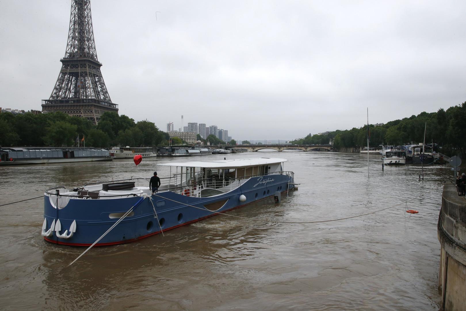 Вышла из себя: Сена затопила Париж