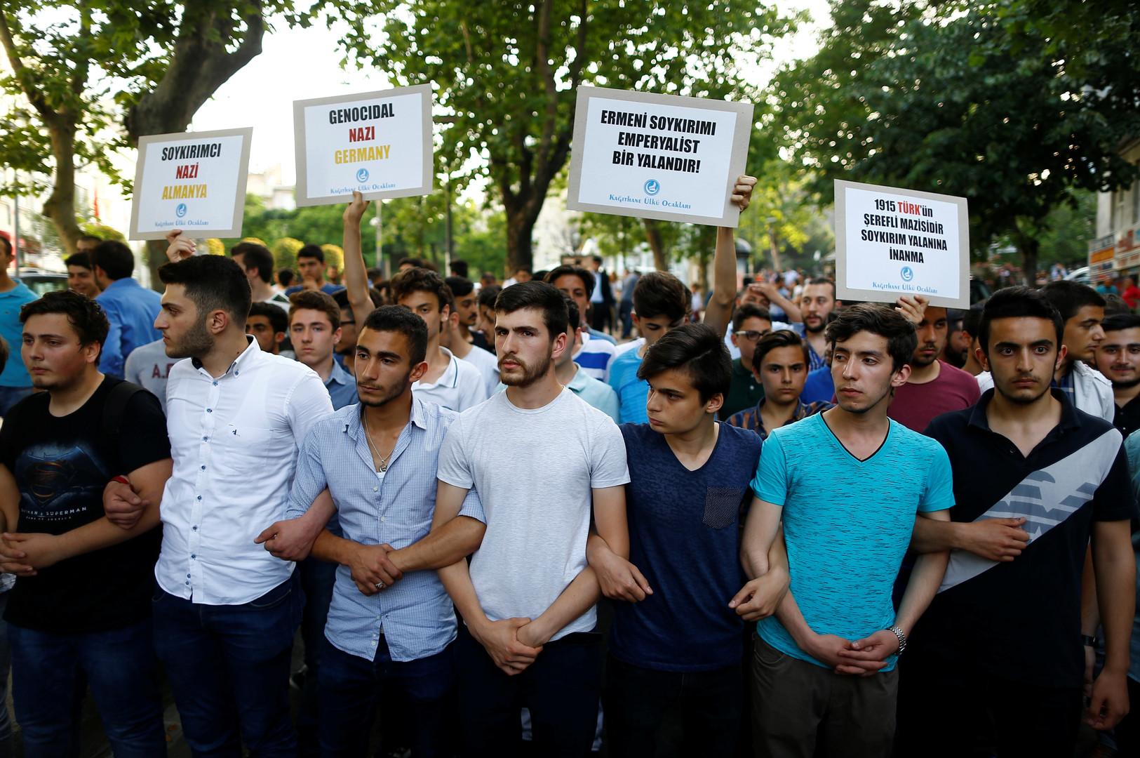 Геноцид, говорите? Турки упрекнули Германию в нацистском прошлом