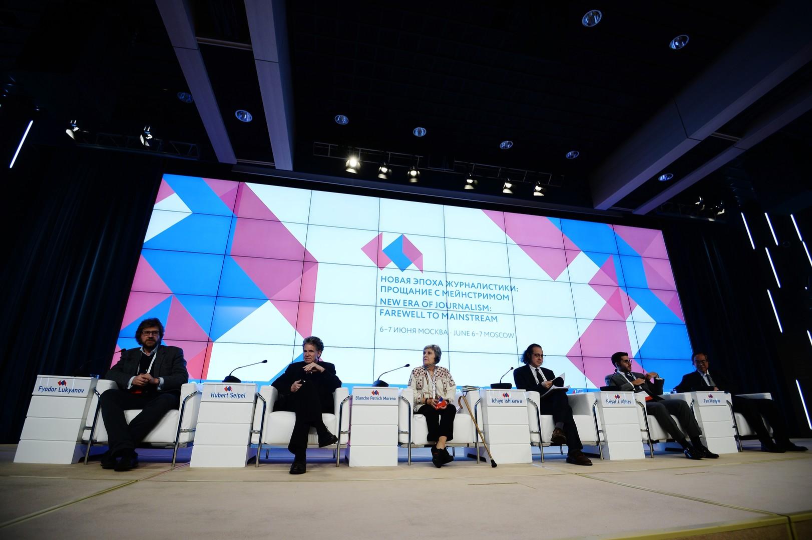 Участники московского медиафорума в интервью RT: На смену мейнстриму приходят новые СМИ