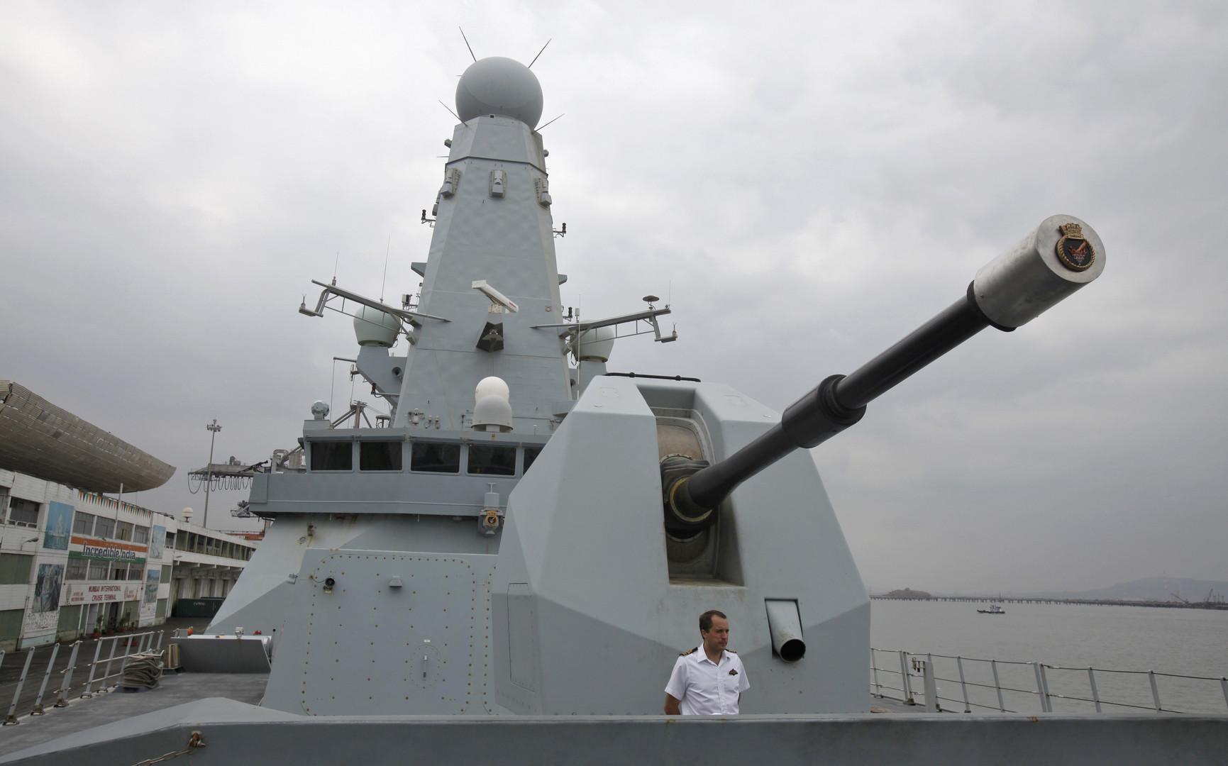 The Daily Mail: Горячая вода Персидского залива ломает британские эсминцы
