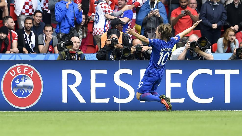 Сборная Хорватии по футболу уверенно обыграла Турцию