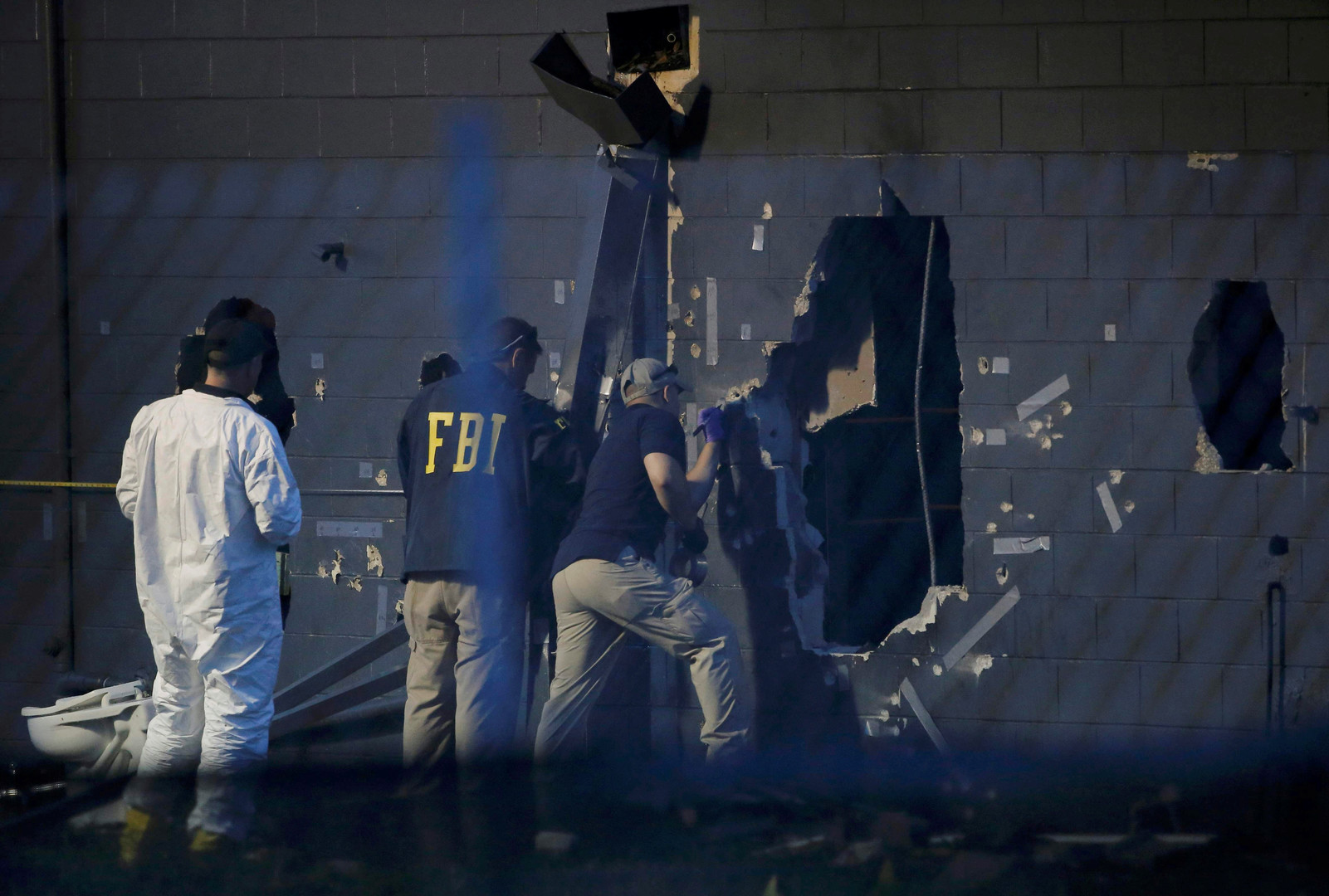 «Талибан» и семейное насилие. Что известно о семье террориста из Орландо