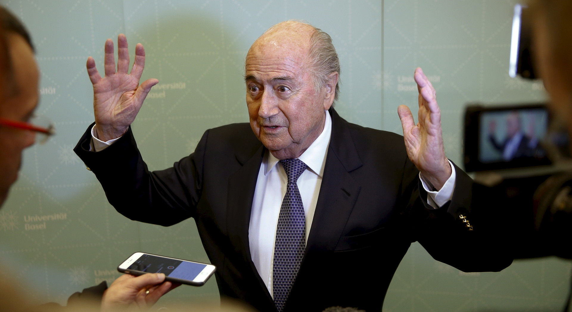 Экс-президент ФИФА Блаттер заявил, что был свидетелем нечестной жеребьёвки соревнования
