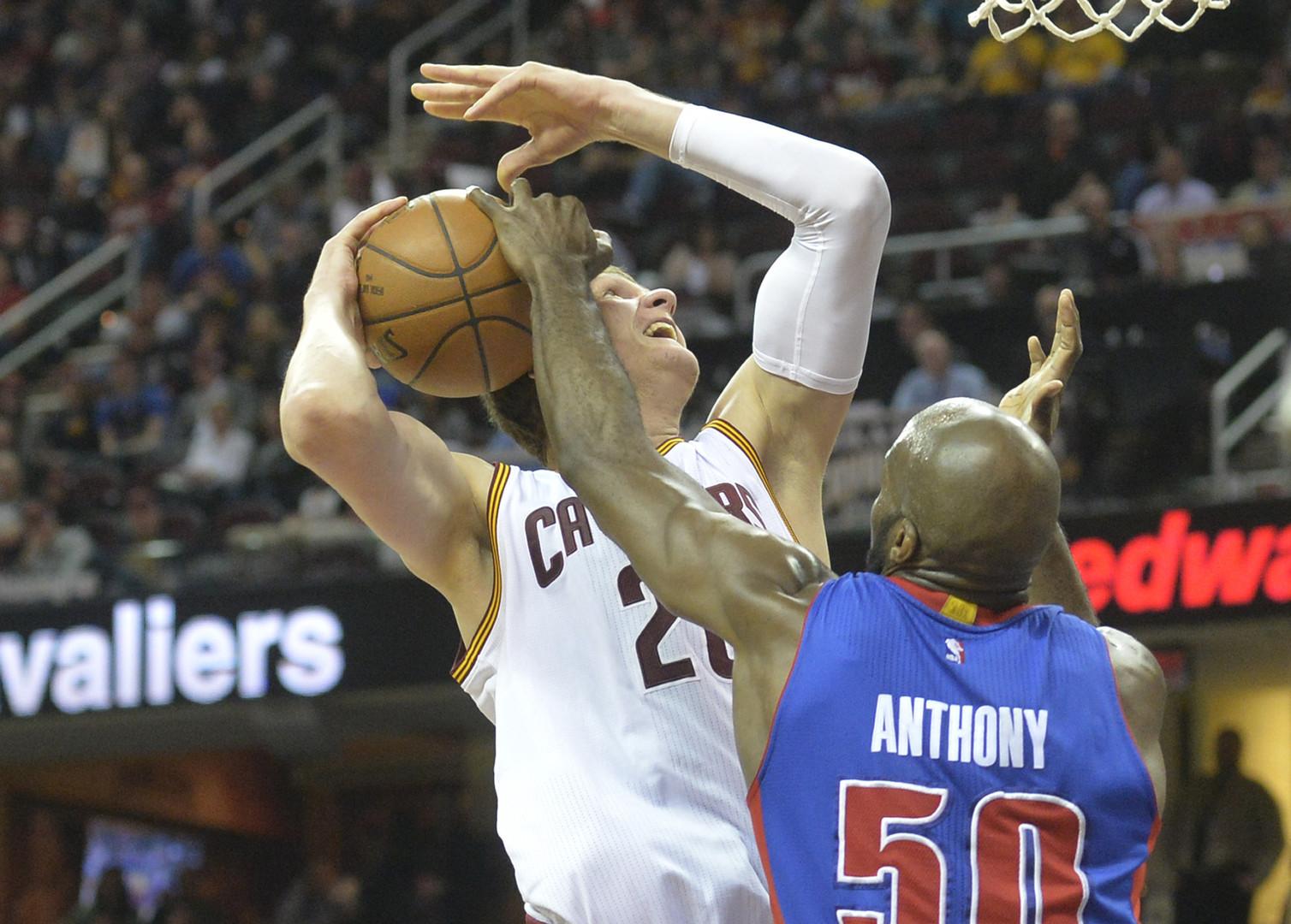 Тимофей Мозгов и Александр Каун стали первыми чемпионами НБА из России
