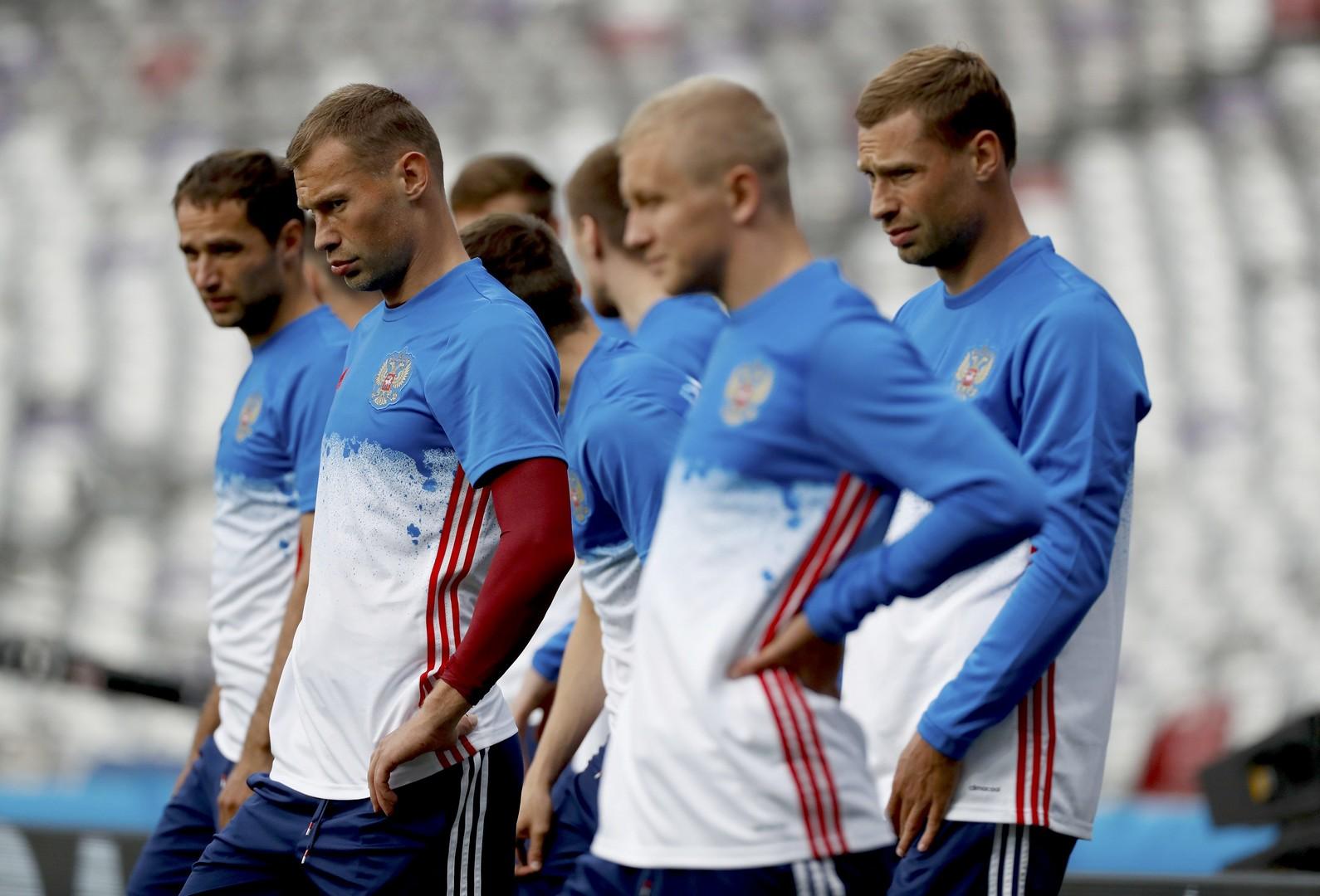 УЕФА не согласовал выход сборной России на матч с Уэльсом в траурных повязках