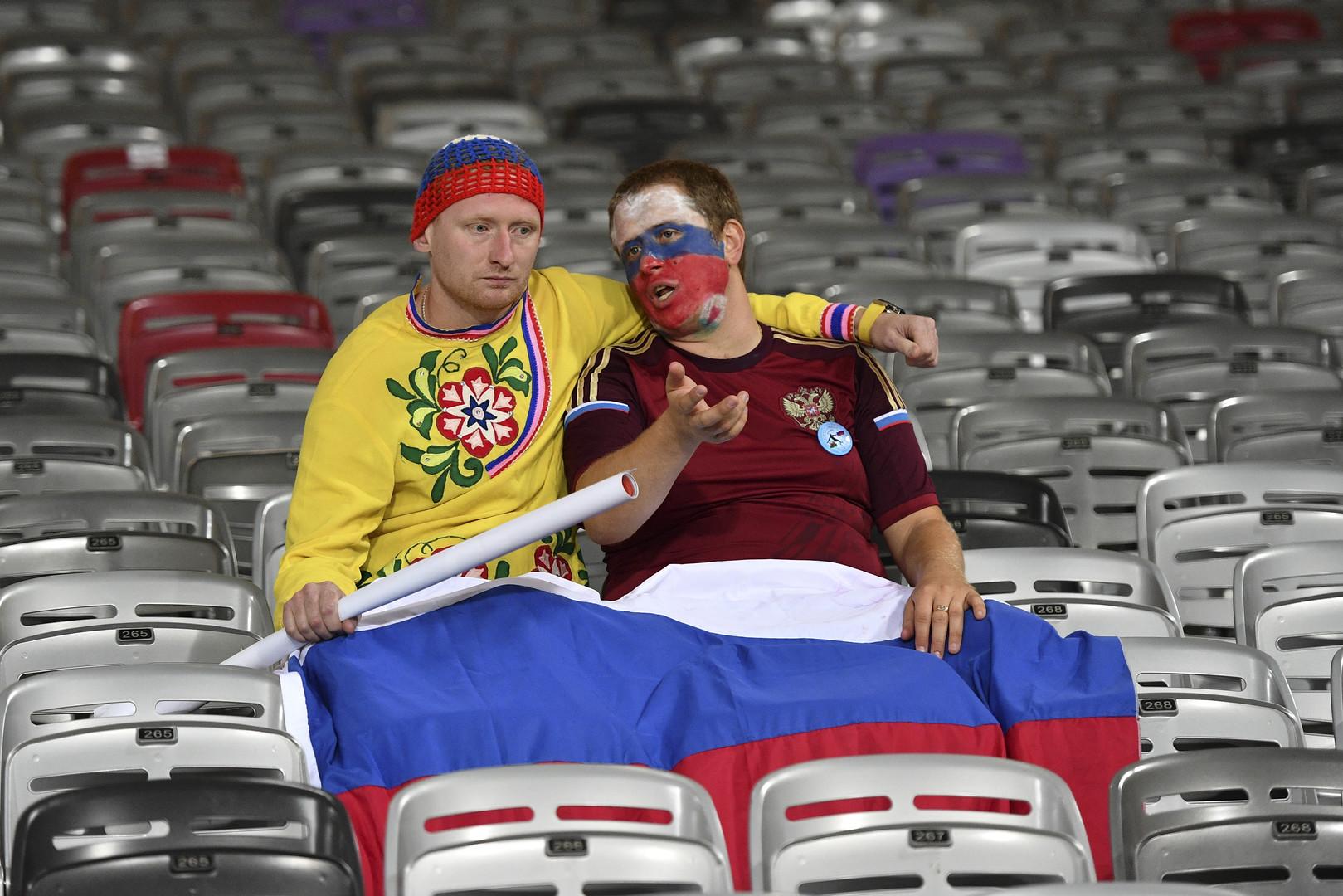Российские болельщики после матча группового этапа чемпионата Европы по футболу - 2016 между сборными командами России и Уэльса.