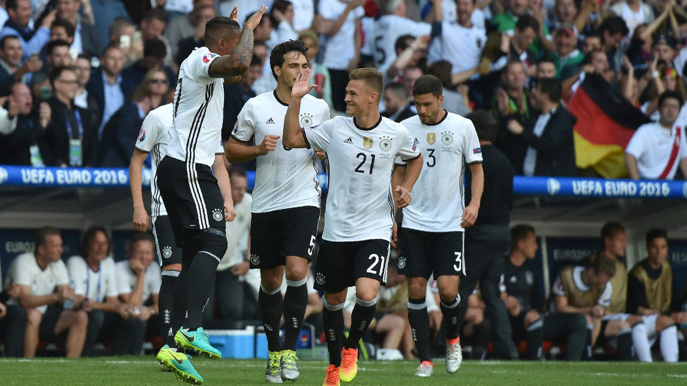 Сборная Германии вышла в четвертьфинал Евро-2016