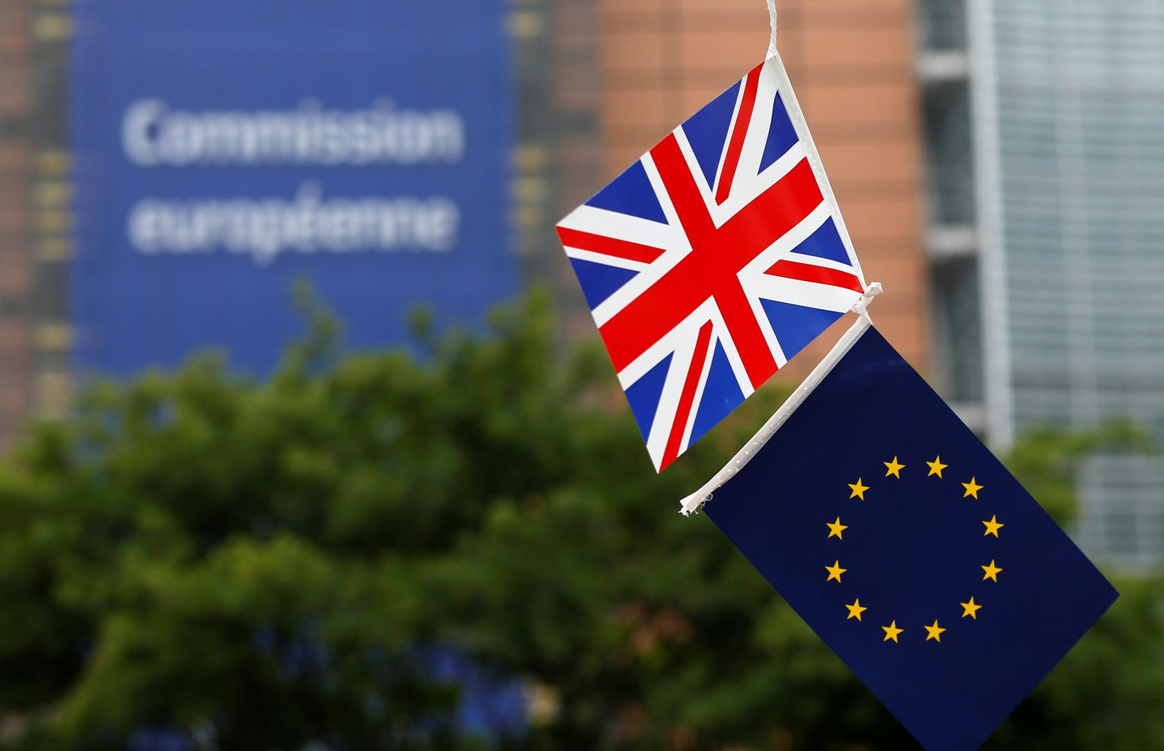 Премьер Франции призвал переосмыслить устройство Евросоюза
