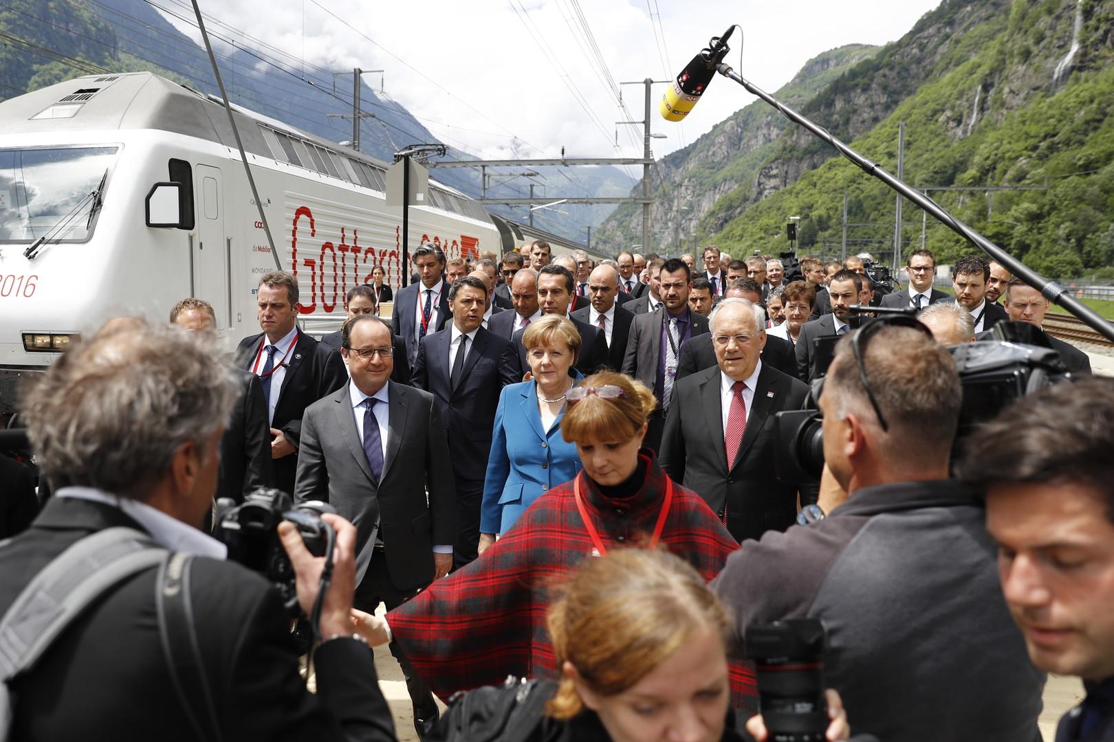 СМИ узнали о переговорах Меркель и Олланда по брекситу