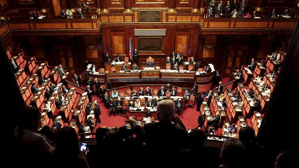 Сенат Италии поддержал резолюцию против автоматического продления антироссийских санкций