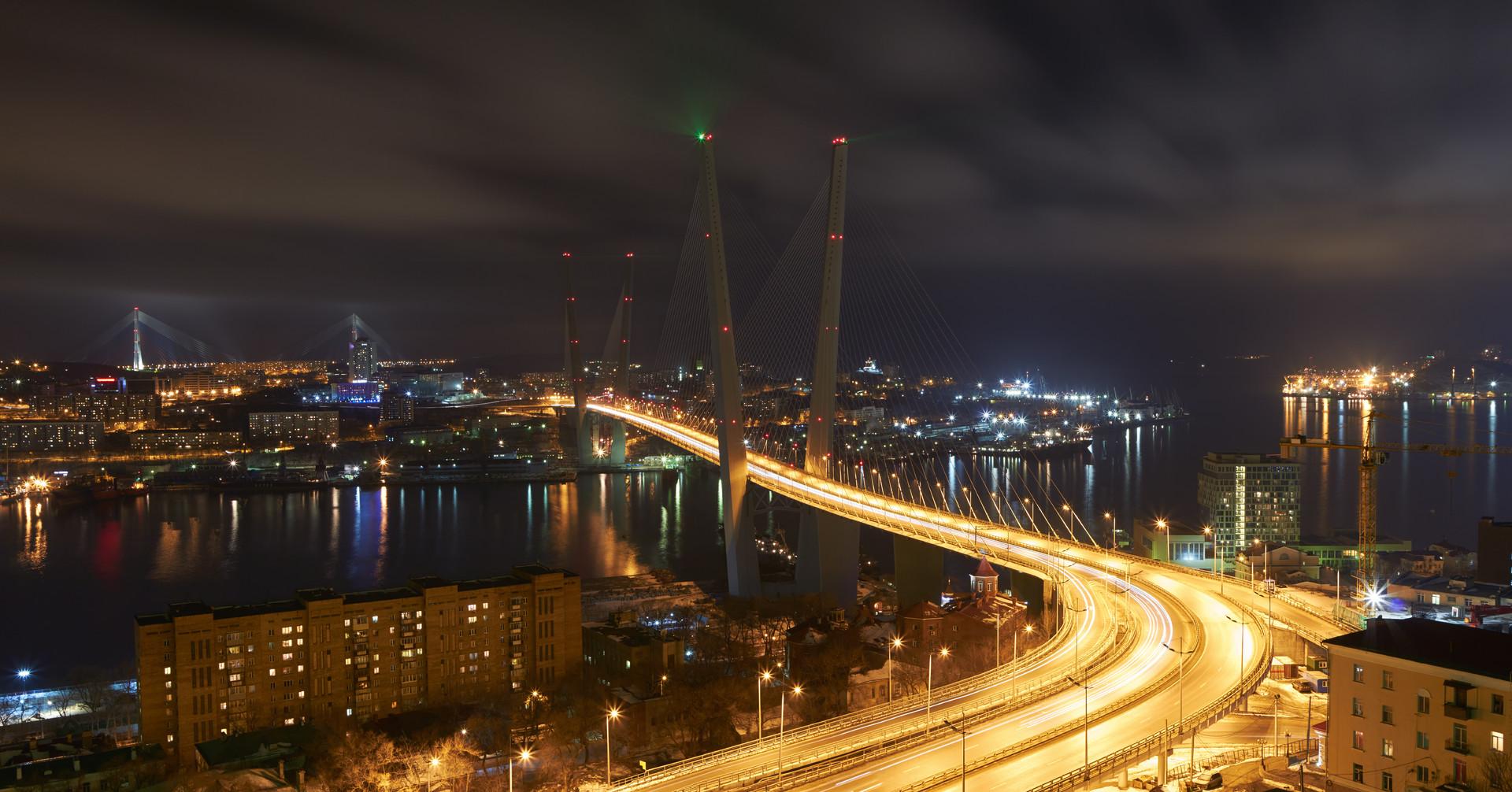 Золотой мост во Владивостоке лидирует среди номинантов на символ для новых банкнот