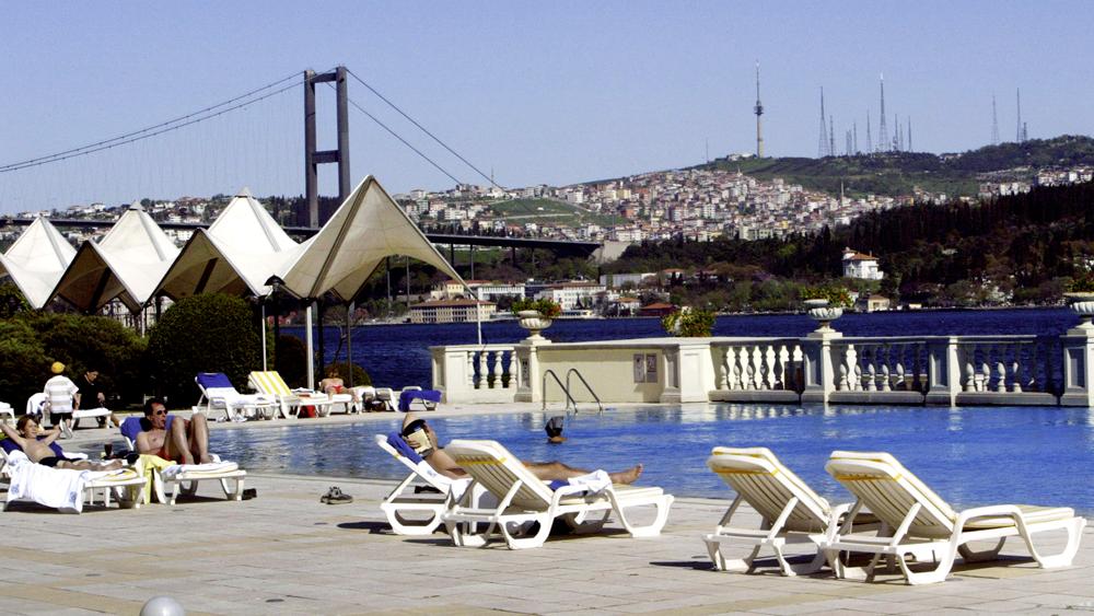 Минтранс РФ приступил к возобновлению авиасообщения с Турцией