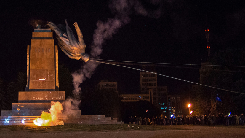 Страна павших статуй: журналисты рассказали CNN о декоммунизации на Украине