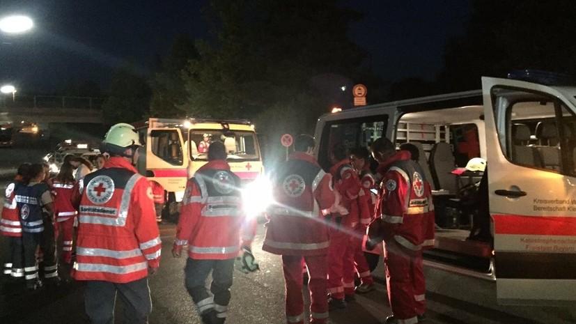 В Германии неизвестный с топором напал на пассажиров поезда