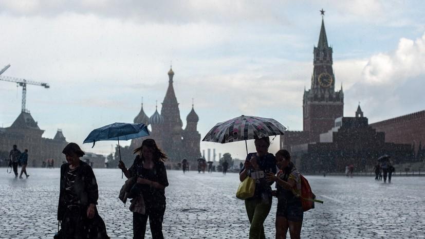 Как управлять лодкой: Москва под водой после сильных ливней