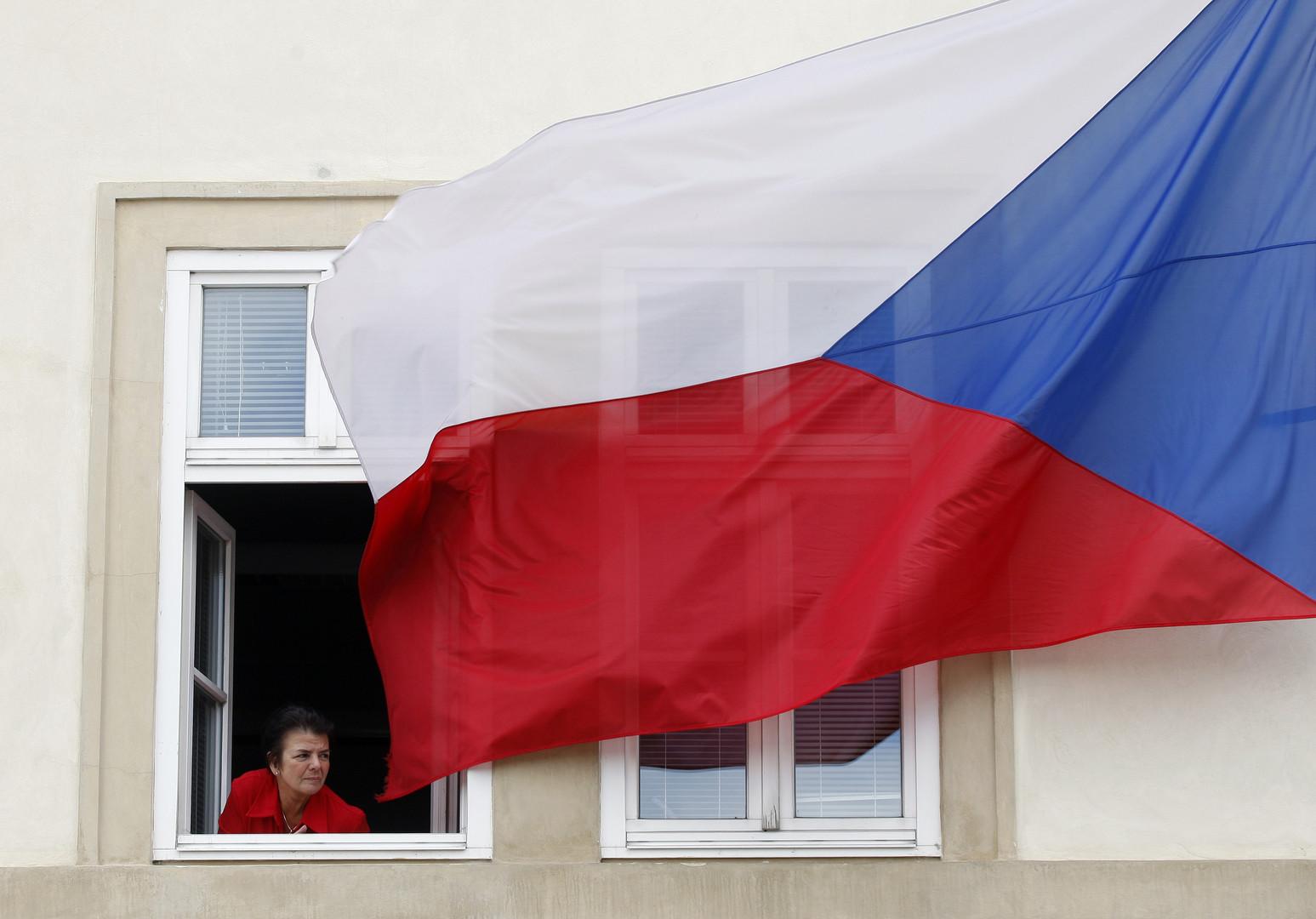 Президент Чехии пообещал провести референдум о выходе страны из ЕС и НАТО