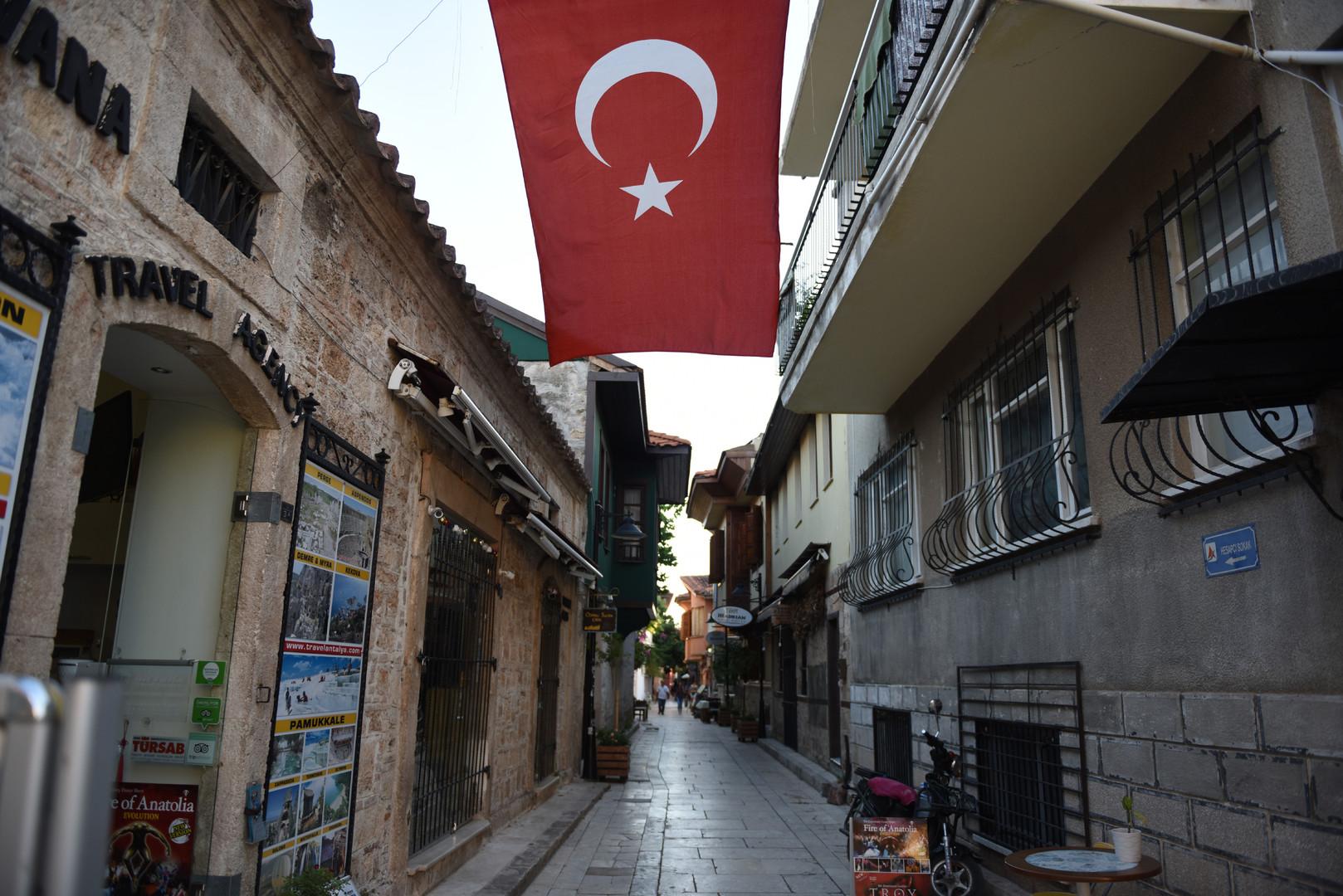 «Дело не только в туризме и помидорах»: эксперты о потеплении между Россией и Турцией