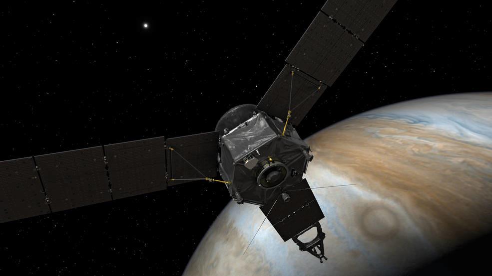 Облучён, но не побеждён: зонд Juno готовится выйти на орбиту Юпитера
