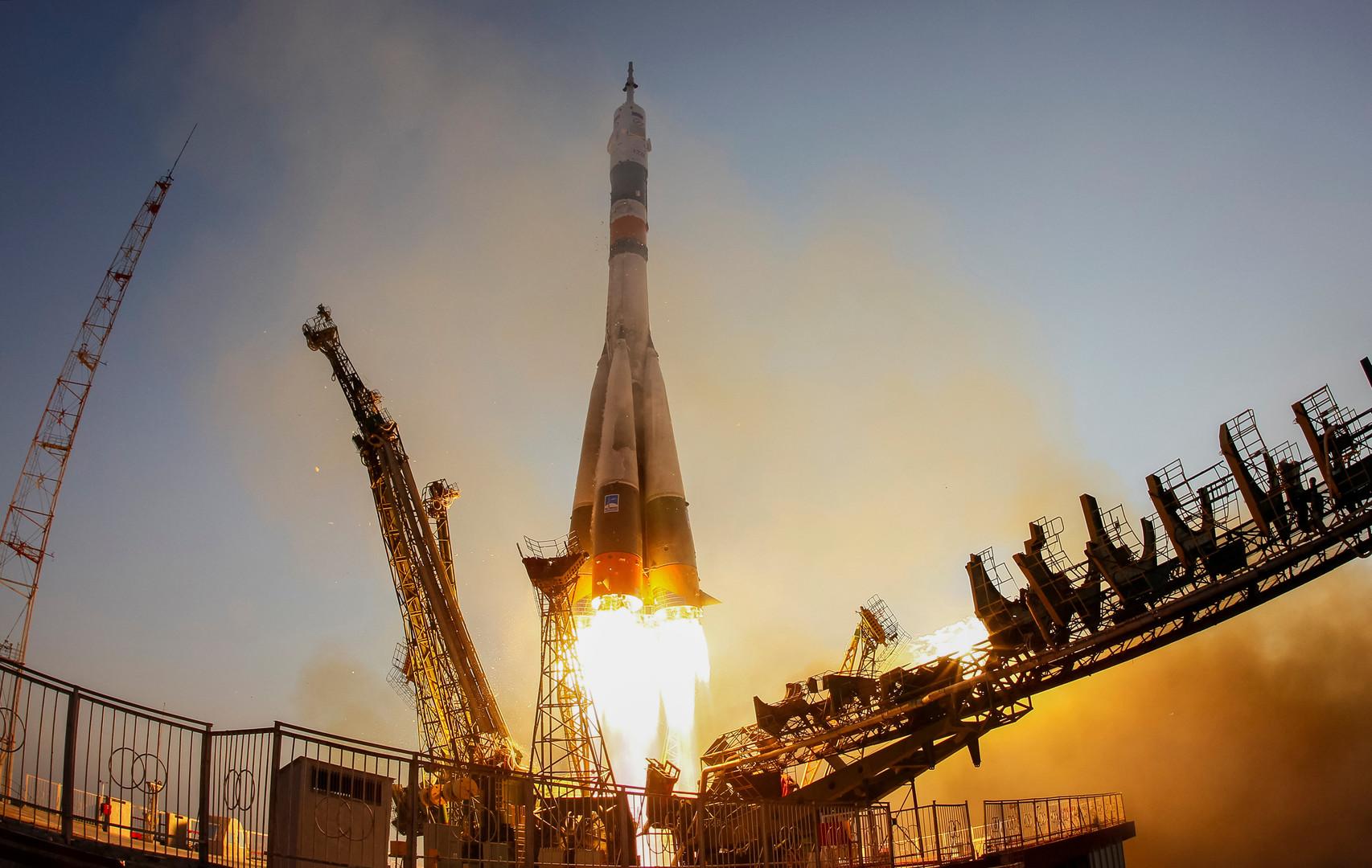 «Союз МС» на стартовой площадке Байконура. Космический корабль нового поколения доставил представителя Роскосмоса Анатолия Иванишина, астронавта JAXA Такуя Ониши и астронавтку NASA Кэтлин Рубинс на МКС.