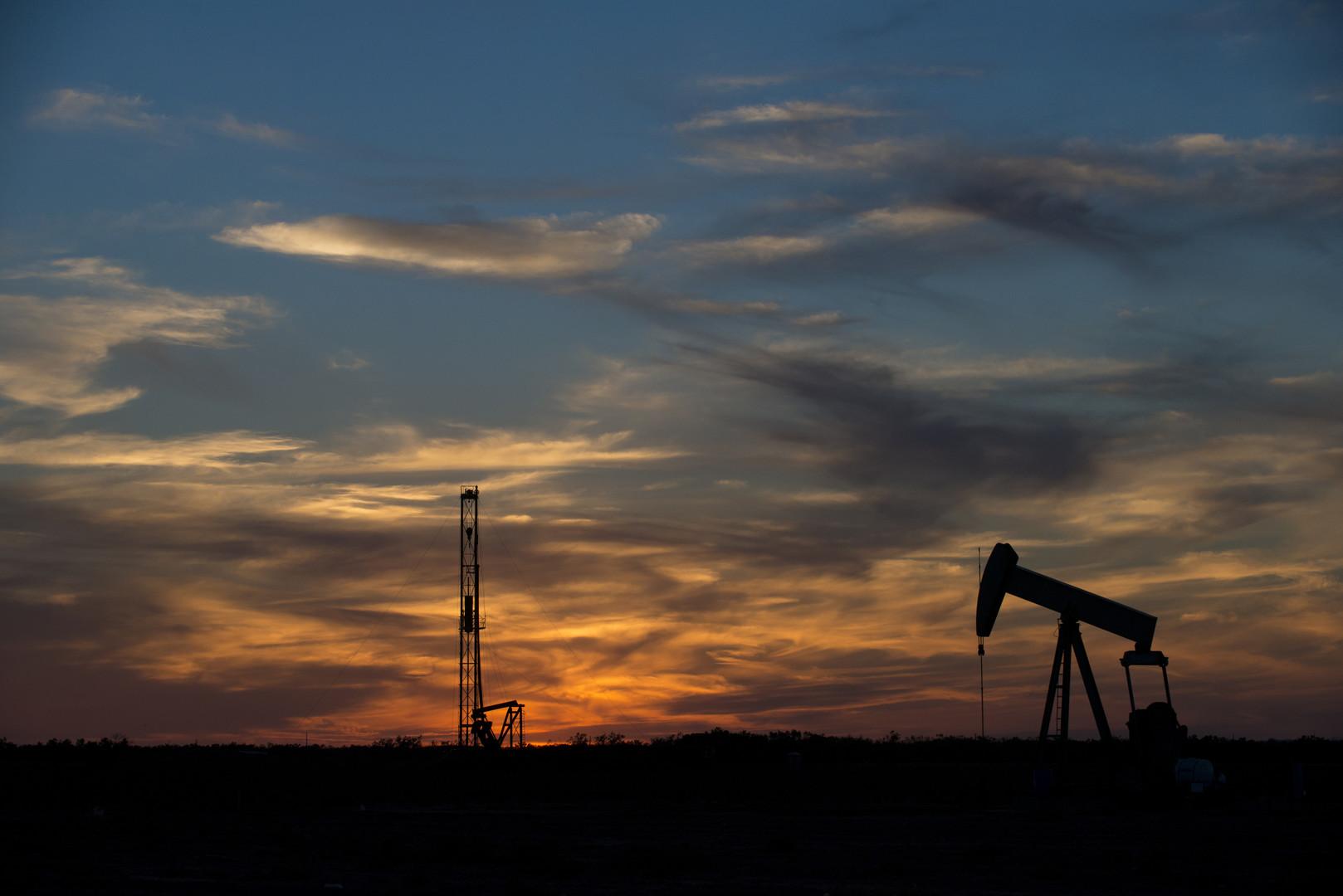 Добыча нефти странами ОПЕК приблизилась к максимуму 2008 года