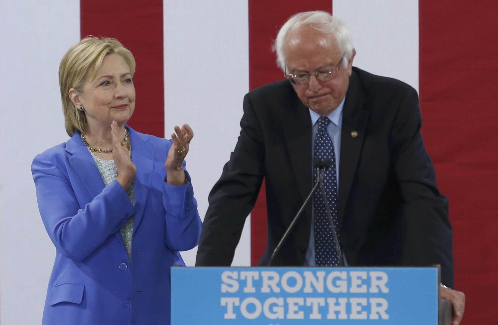 «Продался Хиллари»: что думают политики и американцы о решении Сандерса поддержать Клинтон