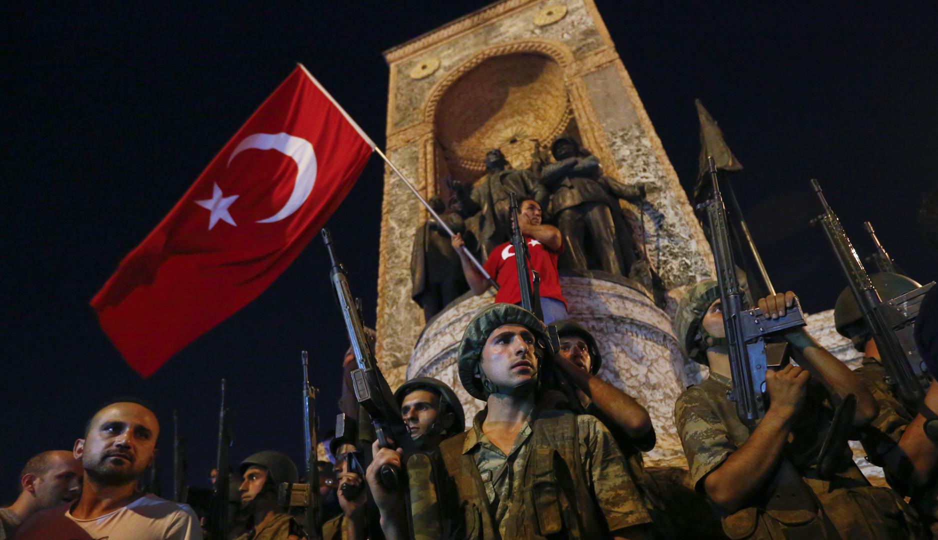 Разведка: Попытка переворота в Турции предотвращена
