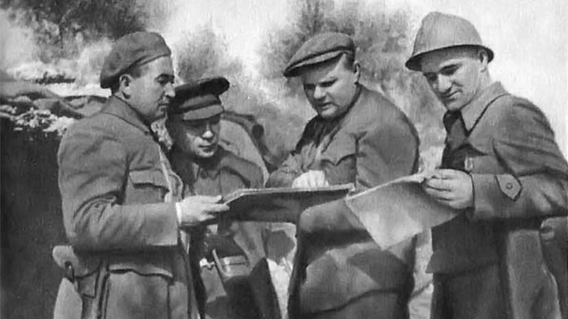 Мерецков под Гвадалахарой (второй справа)