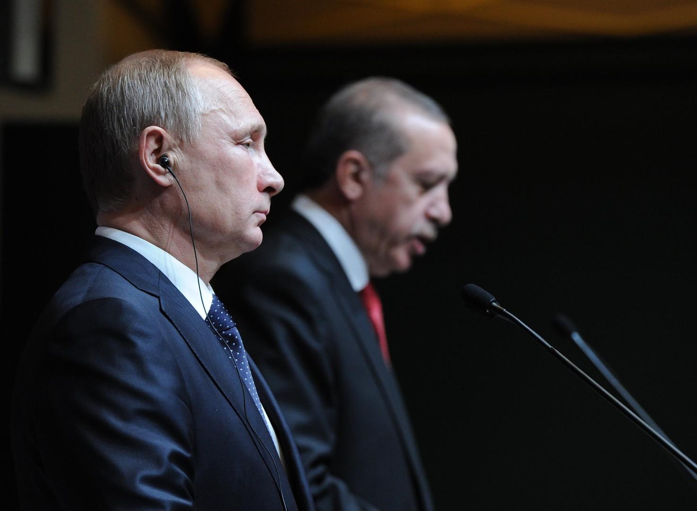Не допустить переворота и защитить туристов: Путин и Эрдоган провели телефонный разговор