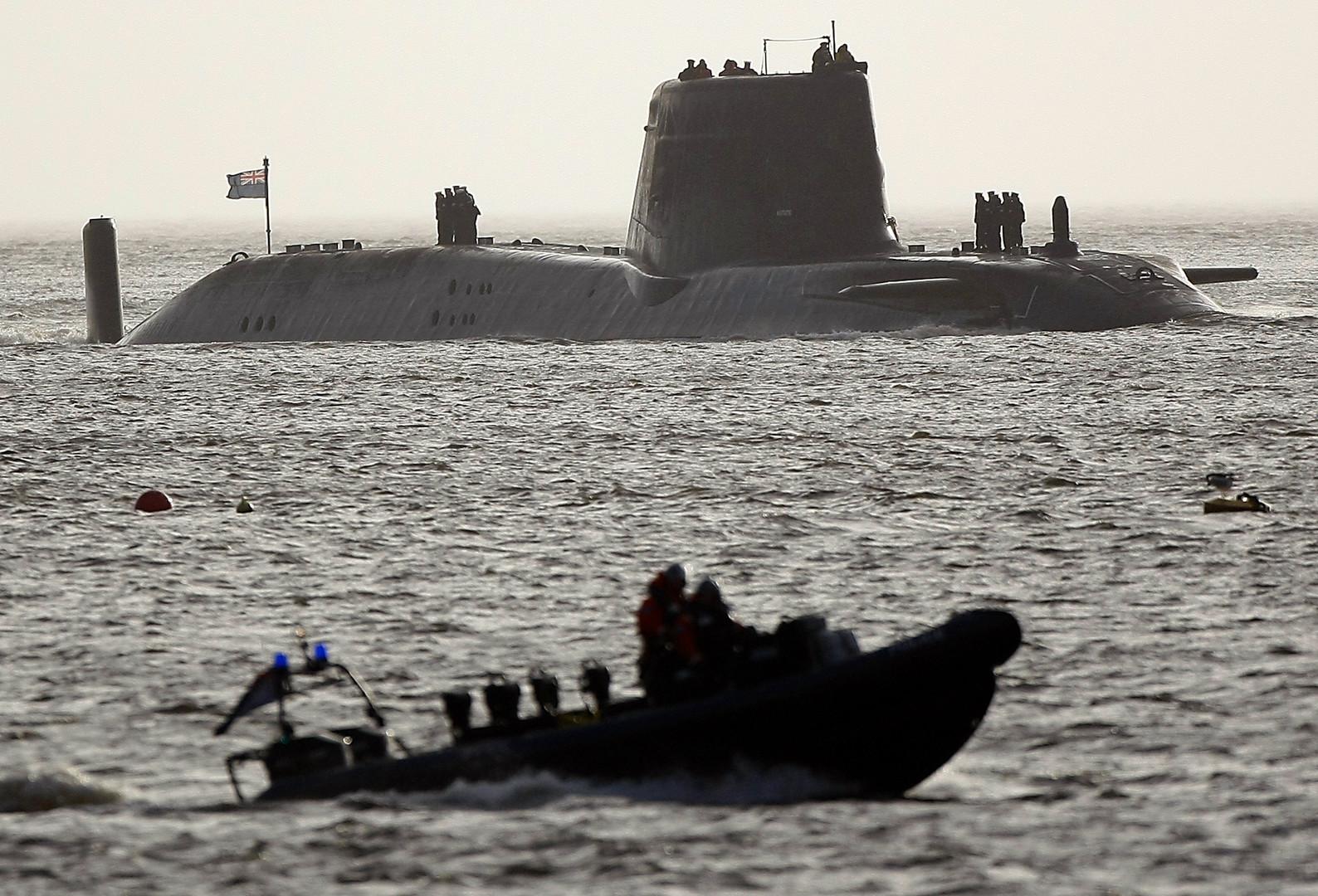 Прикол дня. Подлодка Великобритании обстреляла берег США. По ошибке