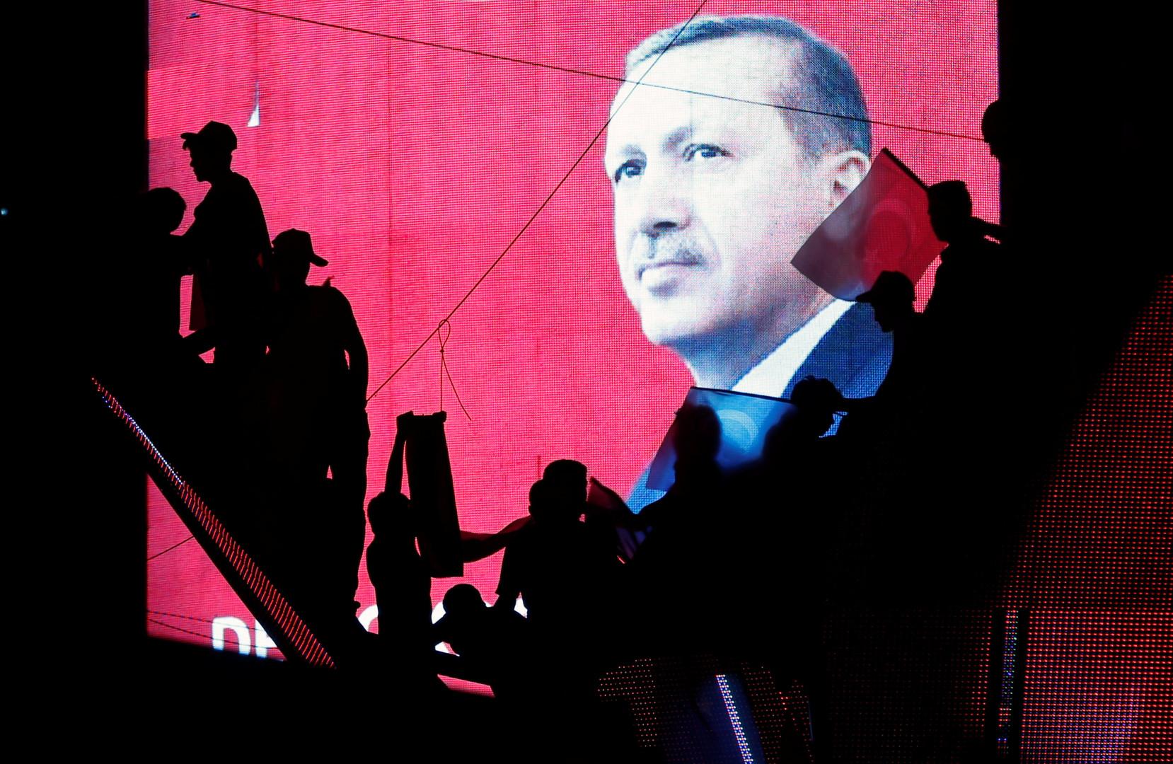 Охота на врага: турецкая «Большая чистка» в цифрах