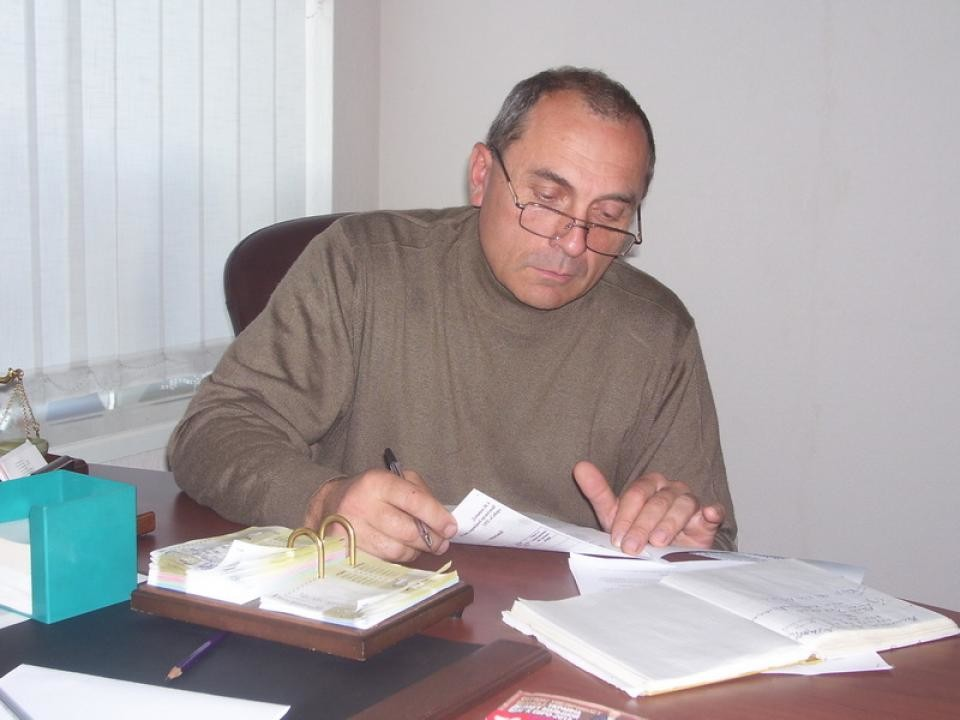 Василий Сергиенко (23 апреля 1956 — 4 апреля 2014 года), редактор газеты «Надросся» (город Корсунь-Шевченковский), активист ВО «Свобода». Похищен и убит неизвестными.