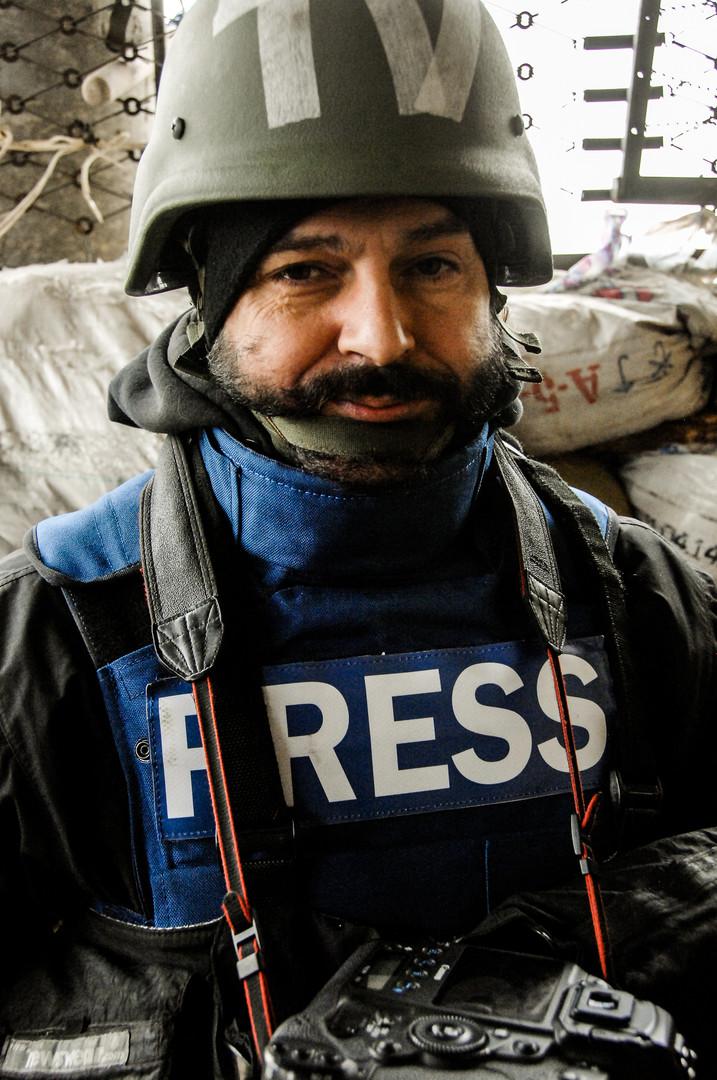 Сергей Николаев, фотокорреспондент газеты «Сегодня». Погиб 28 февраля 2015 года в результате миномётного обстрела посёлка Пески Донецкой области.